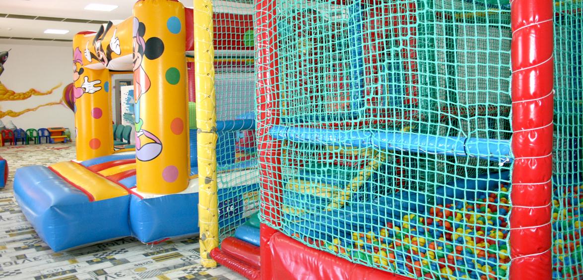 Xiquiparc, sala de jocs infantils. Comunions, aniversaris, festes infantils. Masia Les Garrigues, les Borges Blanques Lleida