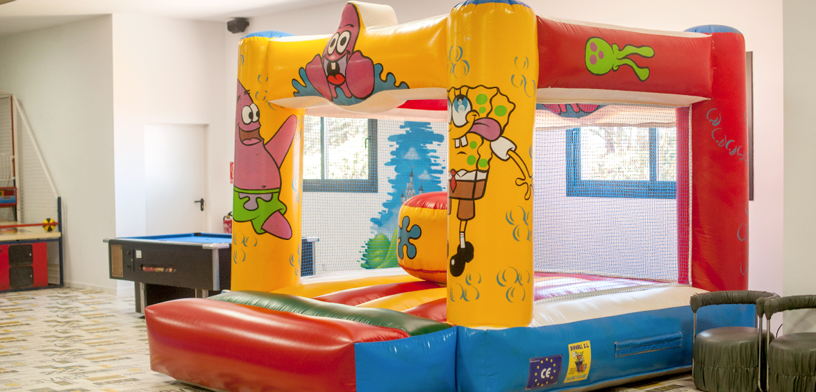 Xiquiparc, sala de juegos infantiles. Comuniones, cumpleaños, fiestas infantils. Masia Les Garrigues, les Borges Blanques Lleida